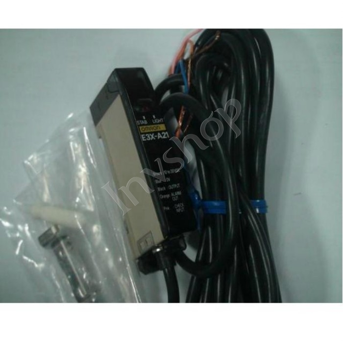 New E3X-A21 Omron Photoelectric Switch