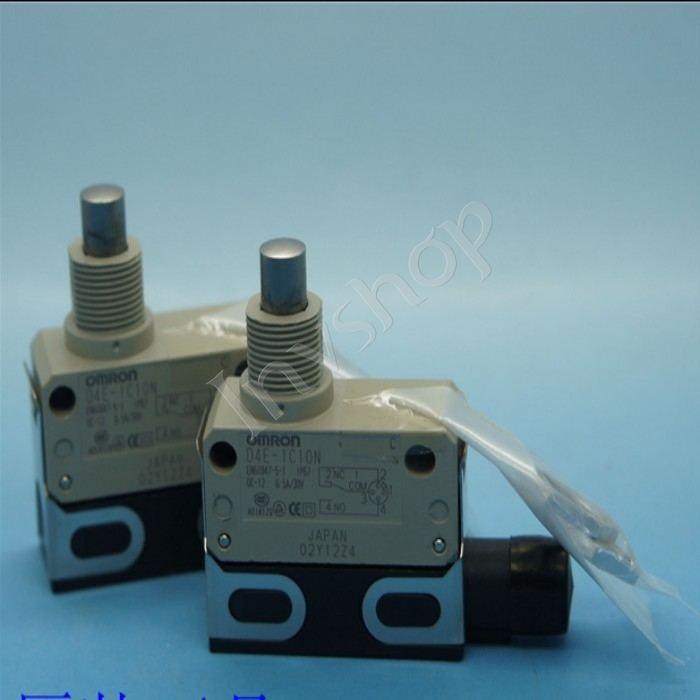 1PC IN BOX NEW D4E-1C10N OMRON Limit Switch